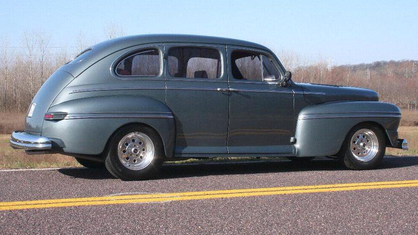 1947 Mercury  4-Door Sedan 283/350 HP, 3-Speed Automatic presented as lot F16 at Kansas City, MO 2010 - image2