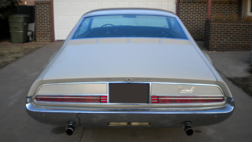 1966 Oldsmobile Toronado 2-Door Hardtop 425/385 HP, Automatic presented as lot F31 at Kansas City, MO 2010 - image3