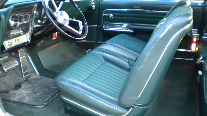 1966 Oldsmobile Toronado 2-Door Hardtop 425/385 HP, Automatic presented as lot F31 at Kansas City, MO 2010 - image4