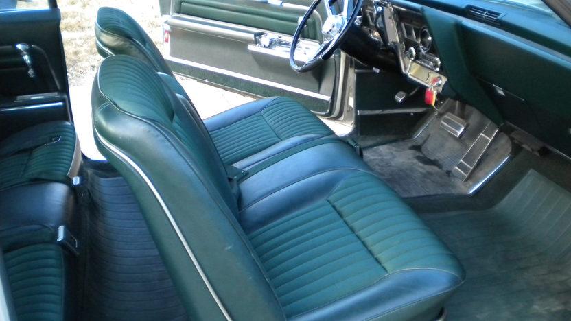 1966 Oldsmobile Toronado 2-Door Hardtop 425/385 HP, Automatic presented as lot F31 at Kansas City, MO 2010 - image7