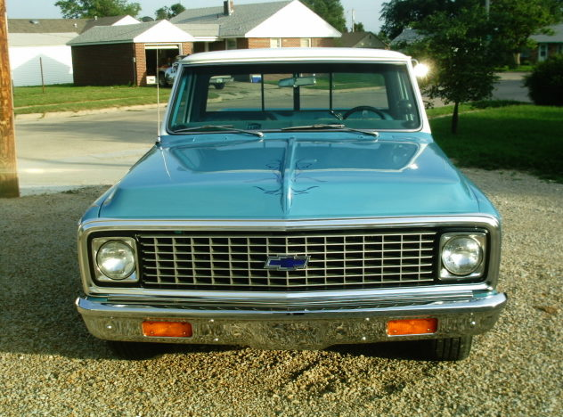 1971 Chevrolet C10 Custom Deluxe 388 CI, Automatic presented as lot F35 at Kansas City, MO 2010 - image2