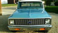 1971 Chevrolet C10 Custom Deluxe 388 CI, Automatic presented as lot F35 at Kansas City, MO 2010 - thumbail image2