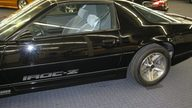 1985 Chevrolet Camaro IROC Z-28 Coupe Automatic presented as lot F47 at Kansas City, MO 2010 - thumbail image3