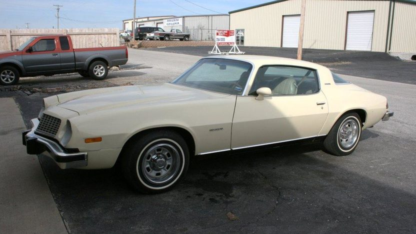 1976 Chevrolet Camaro Coupe 350 CI, Automatic presented as lot F49 at Kansas City, MO 2010 - image2