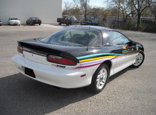 1993 Chevrolet Camaro Pace Car Automatic presented as lot F54 at Kansas City, MO 2010 - image2