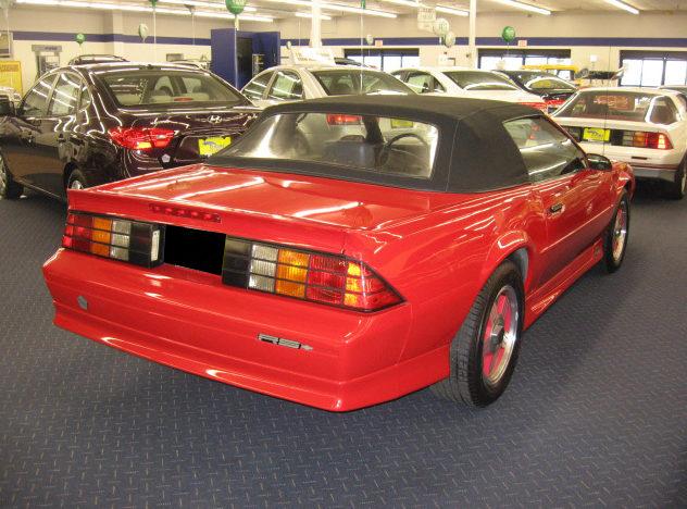1991 Chevrolet Camaro Convertible presented as lot F61 at Kansas City, MO 2010 - image2