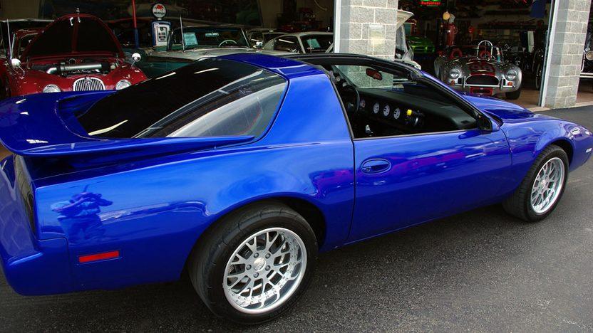 1983 Pontiac Firebrird 2-Door presented as lot F66 at Kansas City, MO 2010 - image2