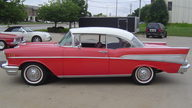1957 Chevrolet Bel Air 2-Door Hardtop 350 CI, 4-Speed presented as lot F77 at Kansas City, MO 2010 - thumbail image3