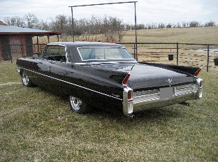 1963 Cadillac Coupe Deville 390 CI presented as lot F78 at Kansas City, MO 2010 - image2