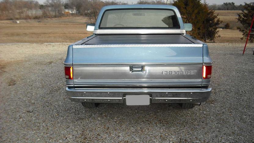 1980 Chevrolet C10 Pickup 350 CI presented as lot F80 at Kansas City, MO 2010 - image3