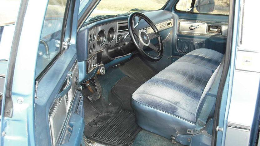 1980 Chevrolet C10 Pickup 350 CI presented as lot F80 at Kansas City, MO 2010 - image4