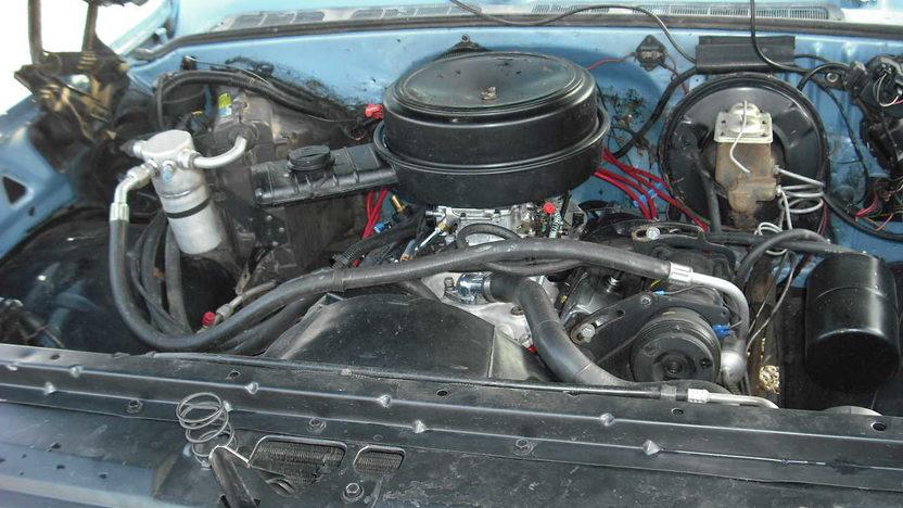 1980 Chevrolet C10 Pickup 350 CI presented as lot F80 at Kansas City, MO 2010 - image5