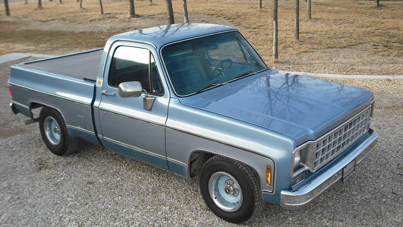 1980 Chevrolet C10 Pickup 350 CI presented as lot F80 at Kansas City, MO 2010 - image6