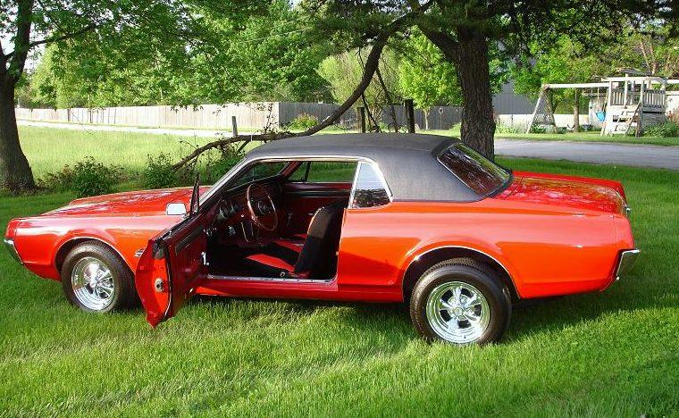 1967 Mercury Cougar 289 CI presented as lot F85 at Kansas City, MO 2010 - image3