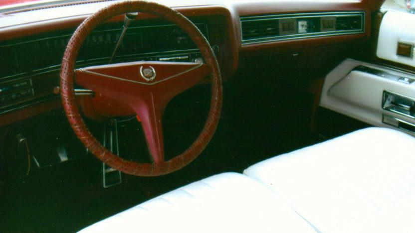 1973 Cadillac Eldorado Convertible 500 CI, Automatic presented as lot F94 at Kansas City, MO 2010 - image4