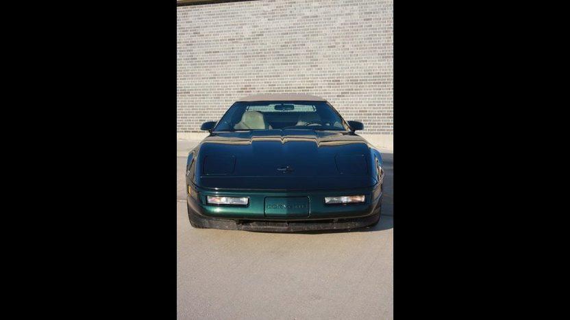 1996 Chevrolet Corvette Convertible 350/300 HP, Automatic presented as lot F96 at Kansas City, MO 2010 - image3