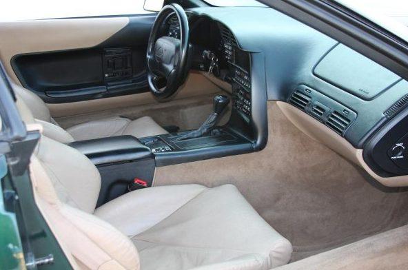 1996 Chevrolet Corvette Convertible 350/300 HP, Automatic presented as lot F96 at Kansas City, MO 2010 - image4