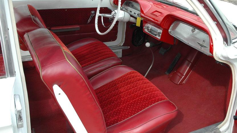 1962 Chevrolet Corvair 4-Speed  presented as lot F97 at Kansas City, MO 2010 - image4