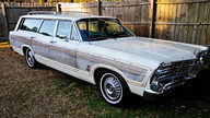 1967 Ford Country Squire Station Wagon 428 CI, Automatic presented as lot F98 at Kansas City, MO 2010 - thumbail image2