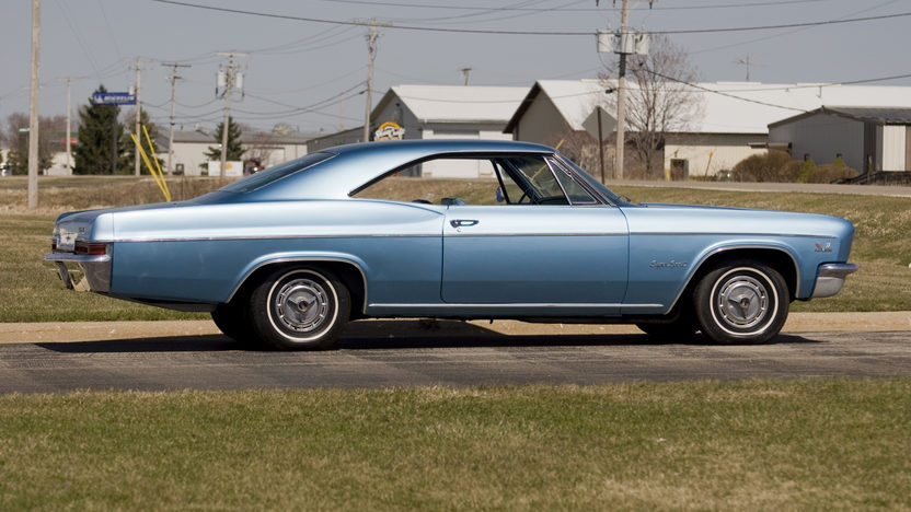 1966 Chevrolet Impala SS Coupe 396/325 HP, 3-Speed Automatic presented as lot F104 at Kansas City, MO 2010 - image8