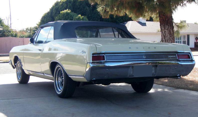 1966 Buick Skylark Convertible presented as lot F105 at Kansas City, MO 2010 - image2