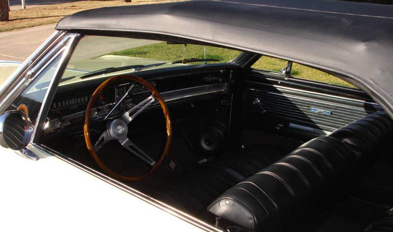 1966 Buick Skylark Convertible presented as lot F105 at Kansas City, MO 2010 - image4