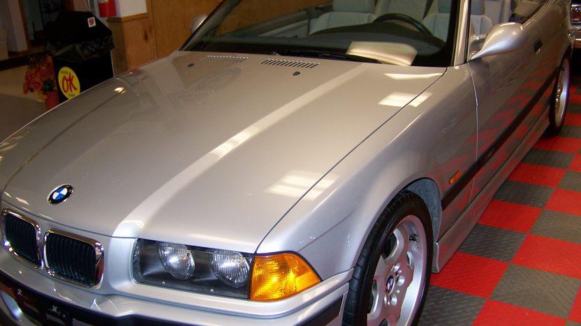 1998 Bmw M3 Convertible presented as lot F107 at Kansas City, MO 2010 - image2