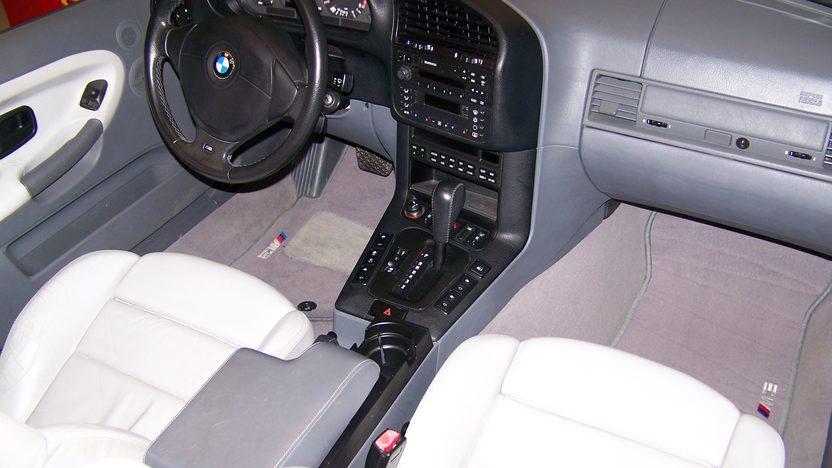 1998 Bmw M3 Convertible presented as lot F107 at Kansas City, MO 2010 - image4