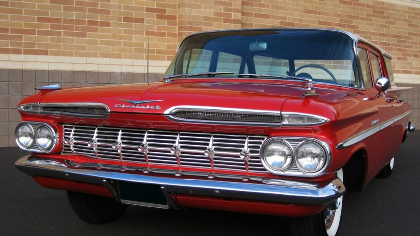 1959 Chevrolet Parkwood Station Wagon 283 CI, Automatic presented as lot F109 at Kansas City, MO 2010 - image3