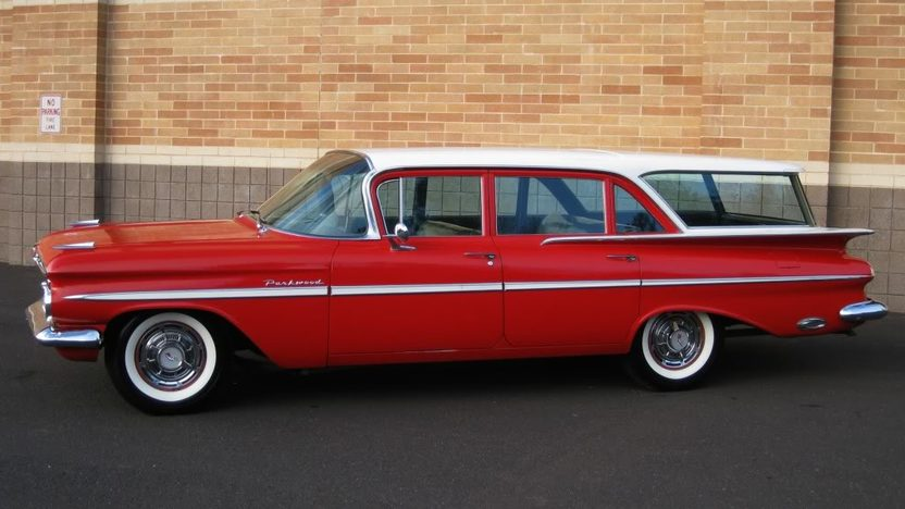 1959 Chevrolet Parkwood Station Wagon 283 CI, Automatic presented as lot F109 at Kansas City, MO 2010 - image4