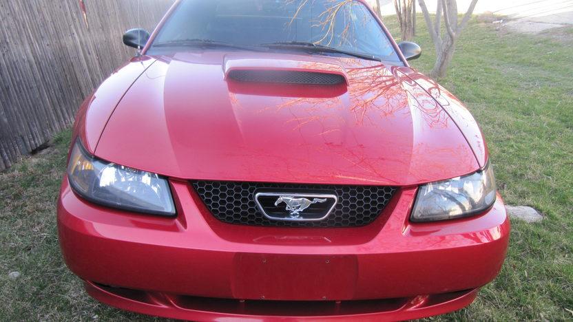 2001 Ford Mustang GT Convertible Automatic presented as lot F112 at Kansas City, MO 2010 - image3