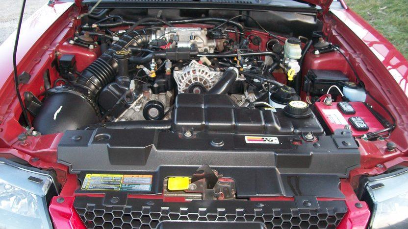 2001 Ford Mustang GT Convertible Automatic presented as lot F112 at Kansas City, MO 2010 - image6