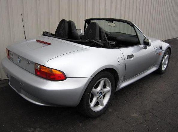 1998 BMW Z3 Convertible 189 HP, Automatic presented as lot F116 at Kansas City, MO 2010 - image2