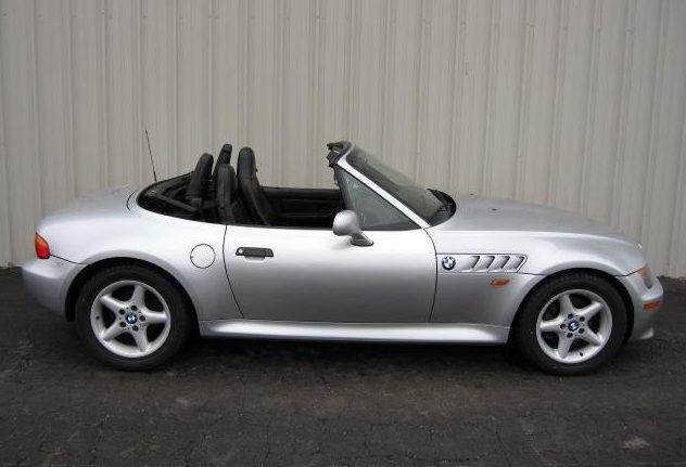 1998 BMW Z3 Convertible 189 HP, Automatic presented as lot F116 at Kansas City, MO 2010 - image3