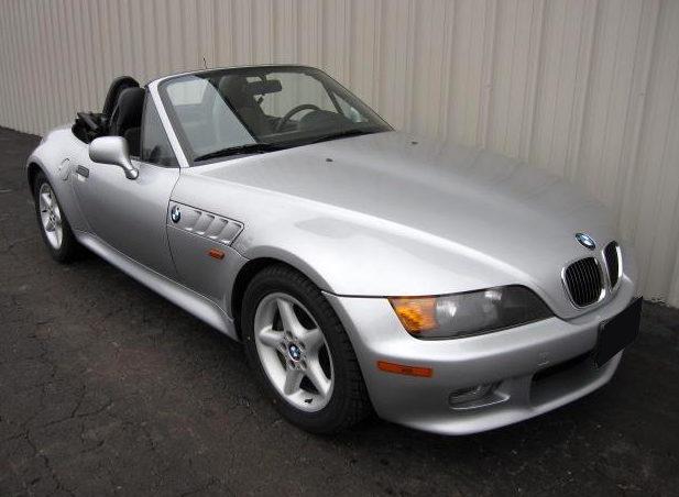 1998 BMW Z3 Convertible 189 HP, Automatic presented as lot F116 at Kansas City, MO 2010 - image4