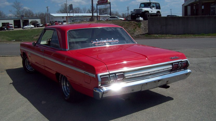 1965 Plymouth Sport Fury 2-Door Hardtop 426 CI, Automatic presented as lot F118 at Kansas City, MO 2010 - image2