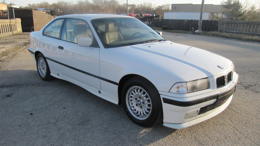 1994 BMW 318 IS Coupe 5-Speed  presented as lot F128 at Kansas City, MO 2010 - image2