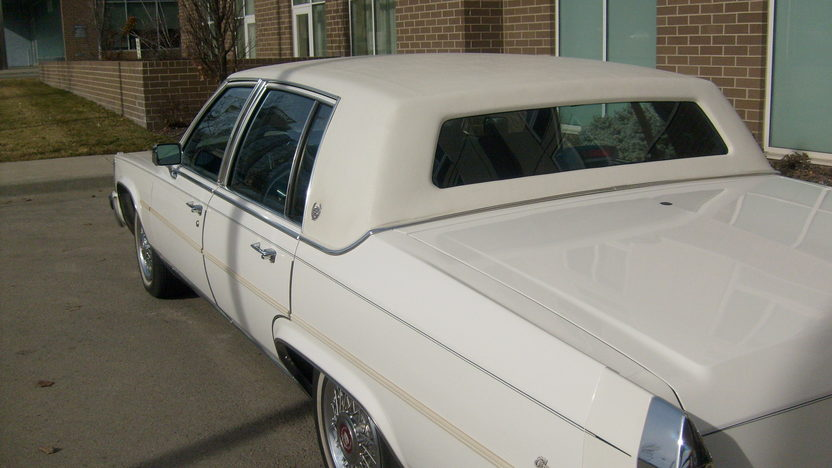 1987 Cadillac Fleetwood Brougham 4-Door  4-Speed Automatic presented as lot F146 at Kansas City, MO 2010 - image4