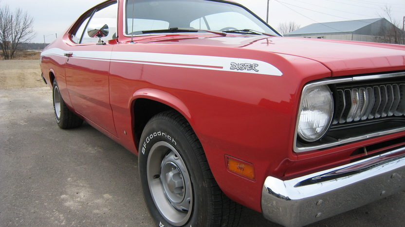 1970 Plymouth Duster 2-Door 340/275 HP, 4-Speed presented as lot F253 at Kansas City, MO 2010 - image2