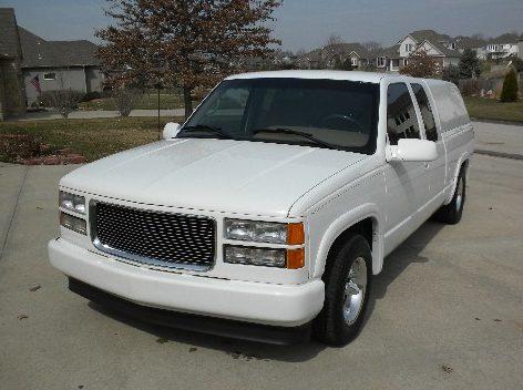 1995 Chevrolet 1500 Pickup 383/315 HP, Automatic presented as lot F264 at Kansas City, MO 2010 - image3
