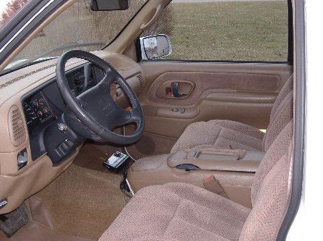 1995 Chevrolet 1500 Pickup 383/315 HP, Automatic presented as lot F264 at Kansas City, MO 2010 - image4