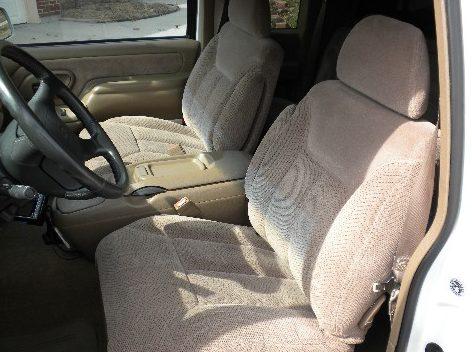 1995 Chevrolet 1500 Pickup 383/315 HP, Automatic presented as lot F264 at Kansas City, MO 2010 - image5