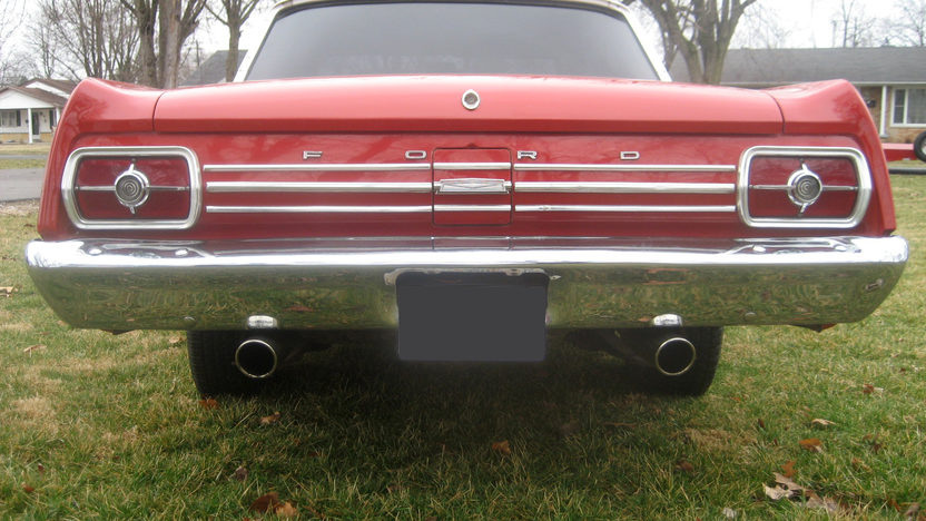 1965 Ford Fairlane 500 2-Door Hardtop 302 CI, Automatic presented as lot F265 at Kansas City, MO 2010 - image3