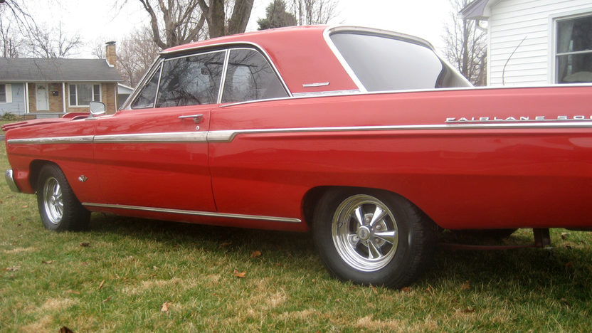 1965 Ford Fairlane 500 2-Door Hardtop 302 CI, Automatic presented as lot F265 at Kansas City, MO 2010 - image7