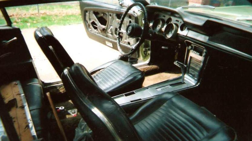 1967 Ford Mustang Convertible 289 CI presented as lot F271 at Kansas City, MO 2010 - image5