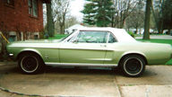 1967 Ford Mustang Convertible 289 CI presented as lot F271 at Kansas City, MO 2010 - thumbail image3
