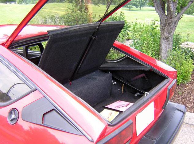 1985 Alfa Romeo GTV6 2-Door presented as lot F276 at Kansas City, MO 2010 - image6