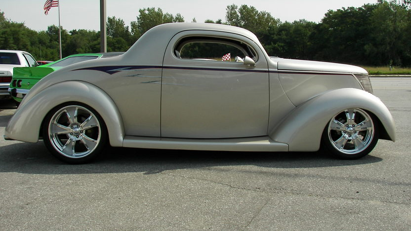 1937 Ford 3 Window Street Rod 350 CI, Automatic presented as lot F154 at Kansas City, MO 2010 - image3