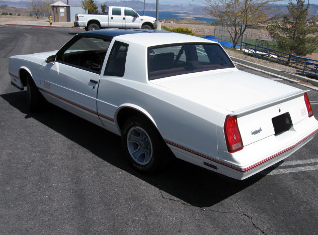 1987 Chevrolet Monte Carlo SS Coupe 305 CI, 4-Speed Automatic presented as lot F177 at Kansas City, MO 2010 - image2