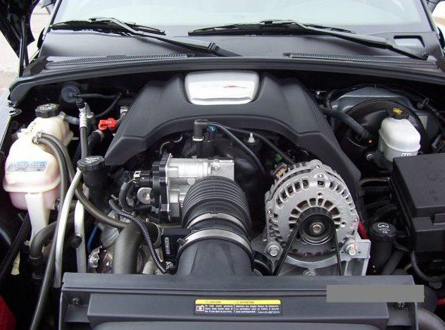 2004 Chevrolet SSR Pickup presented as lot F187 at Kansas City, MO 2010 - image7